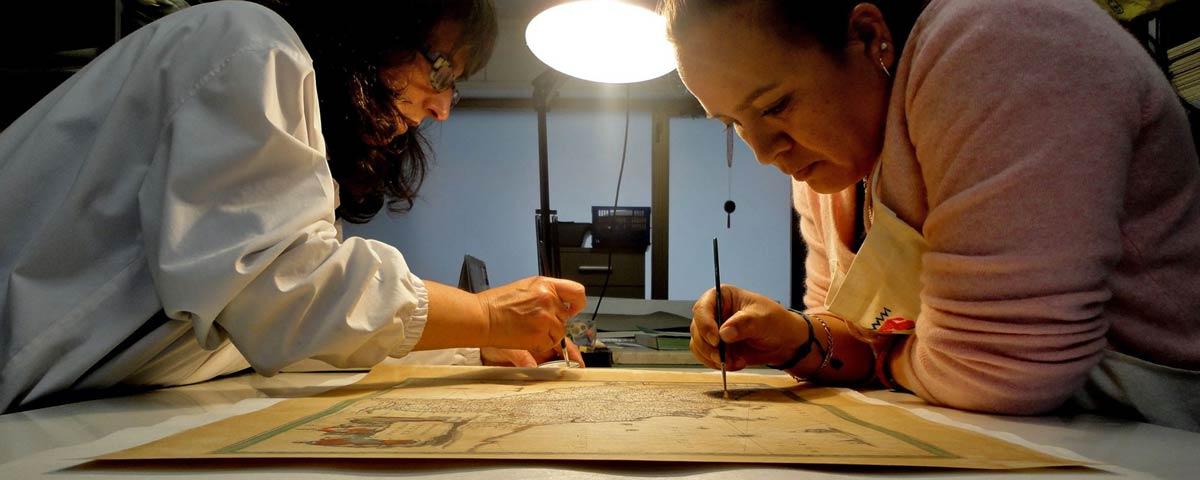 古書、デザイン、紙の修復